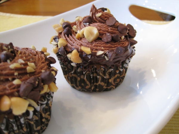Peanut Butter Banana Cupcakes with Chocolate Frosting
