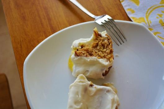 Bumblee Bee Cake (a.k.a. hummingbird cake)